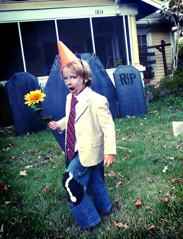 Plants Vs Zombies - Conehead Zombie costume