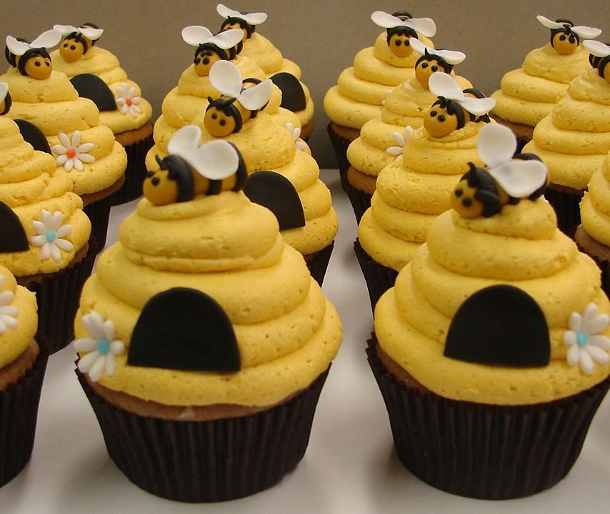 Bumble Bee Beehive Cupcakes Bumble Bee Beehive Cupcakes