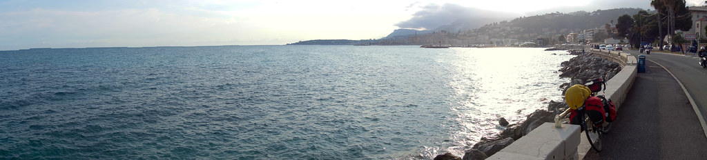 Last picture before I crossed the border into Italy, with Ventimiglia on the other side