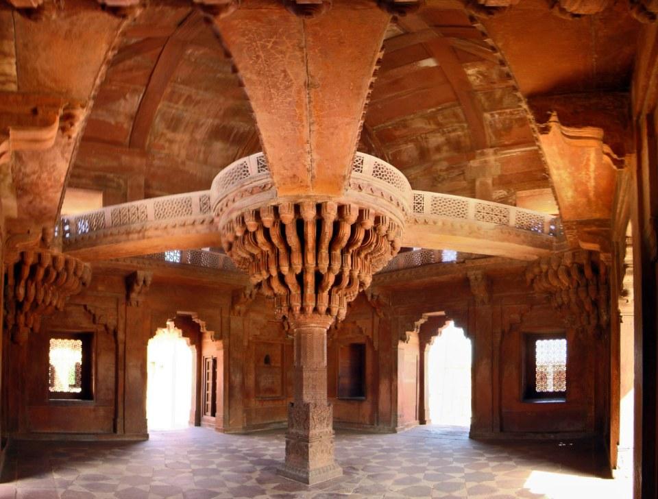 edificio interior pilar central del Diwan-i-Khas Salón de audiencia privada Fatehpur Sikri India 16