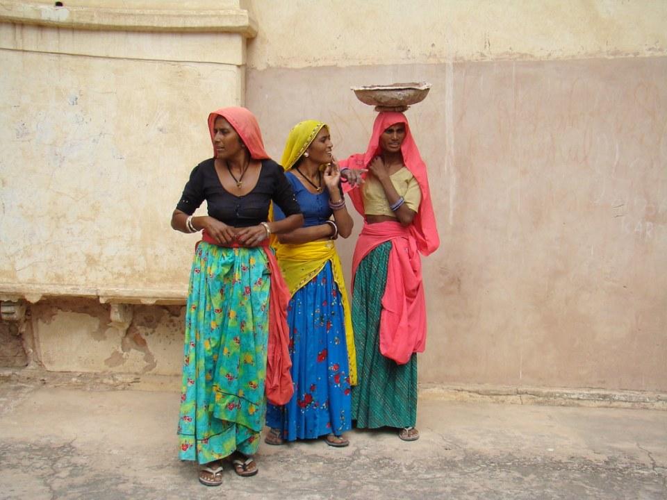 mujeres su gente Fuerte Amber India 15