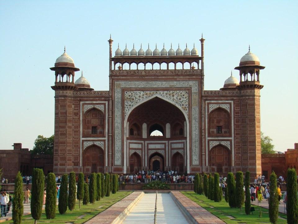 puerta Darwaza complejo Taj Mahal de Agra India 08