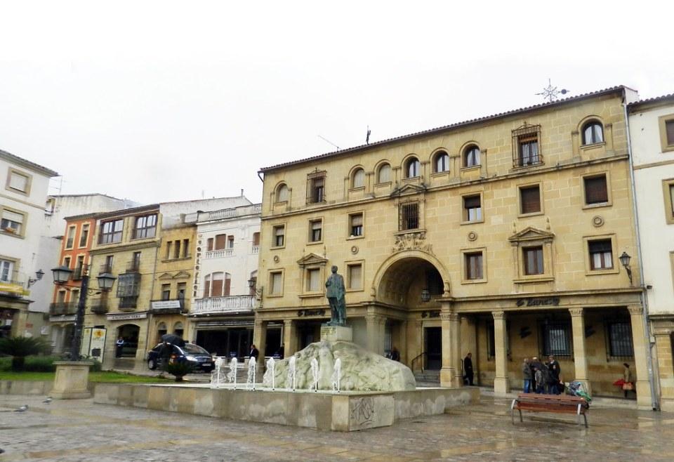 Ubeda Monumento al General Saro Plaza de Andalucia Jaen 01