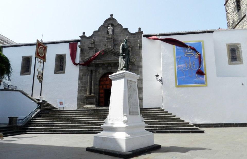 Portada a Plaza de España Iglesia El Salvador Santa Cruz de la Palma 01