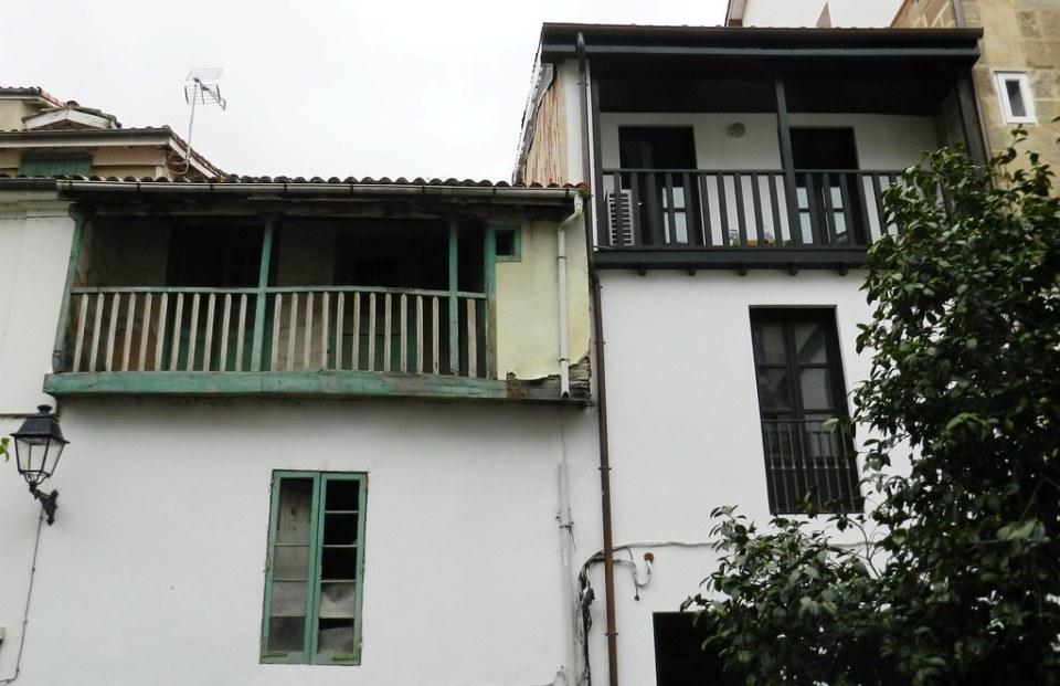 ventana y balcon ciudad de Orense 01