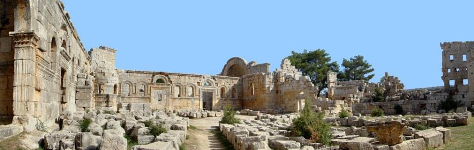 claustro o patio dependencia monastica Monasterio de San Simeon Siria 20