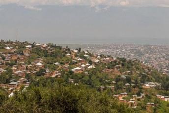 We verlieten Bujumbura maar eens.