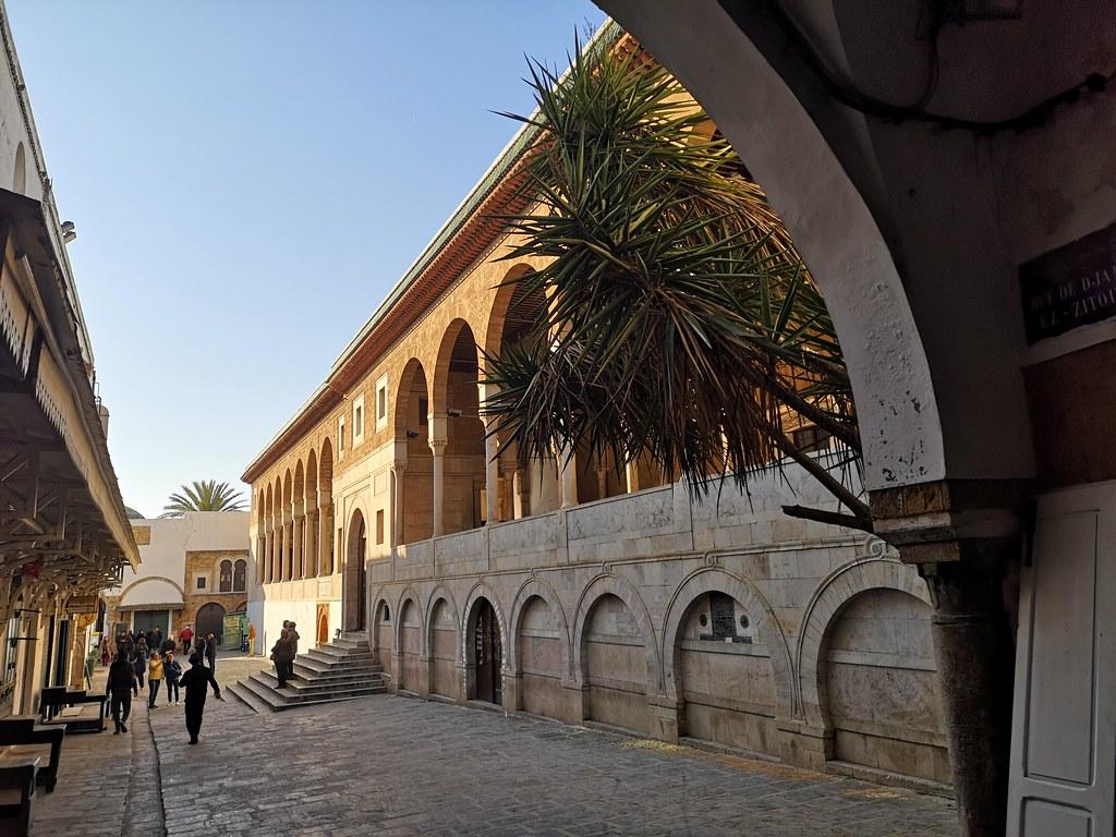 exterior mezquita Zitouna Al-Zaytuna o Ezzitouna Medina de Tunez 02