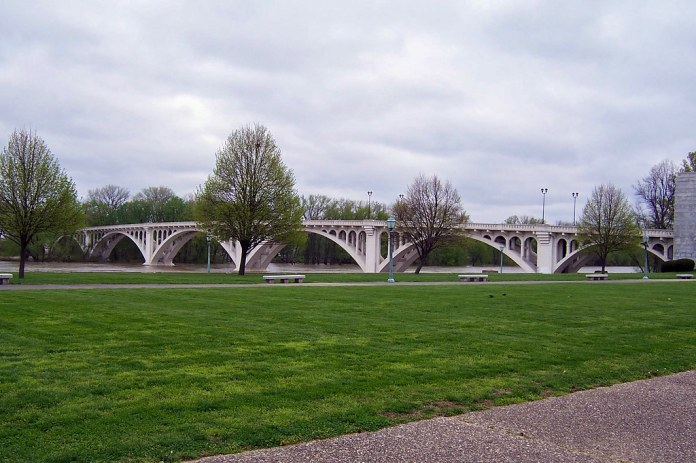 Wabash River bridge, Vincennes
