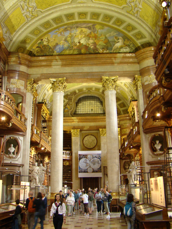 sala interior Biblioteca Nacional de Austria Viena 28 Patrimonio de la Humanidad Unesco