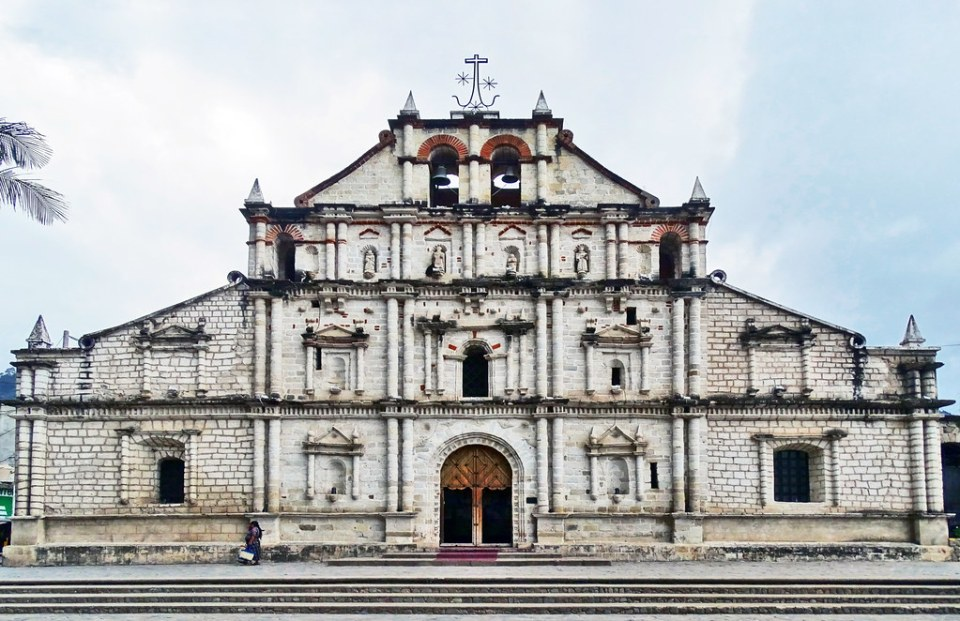 Panajachel exterior Iglesia de San Francisco de Asís Guatemala 01