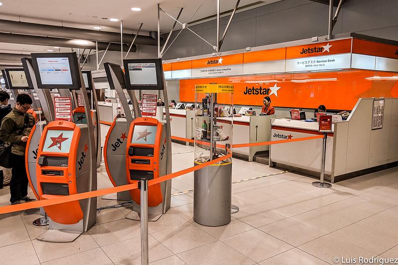 Mostradores de facturación de Jetstar en Narita