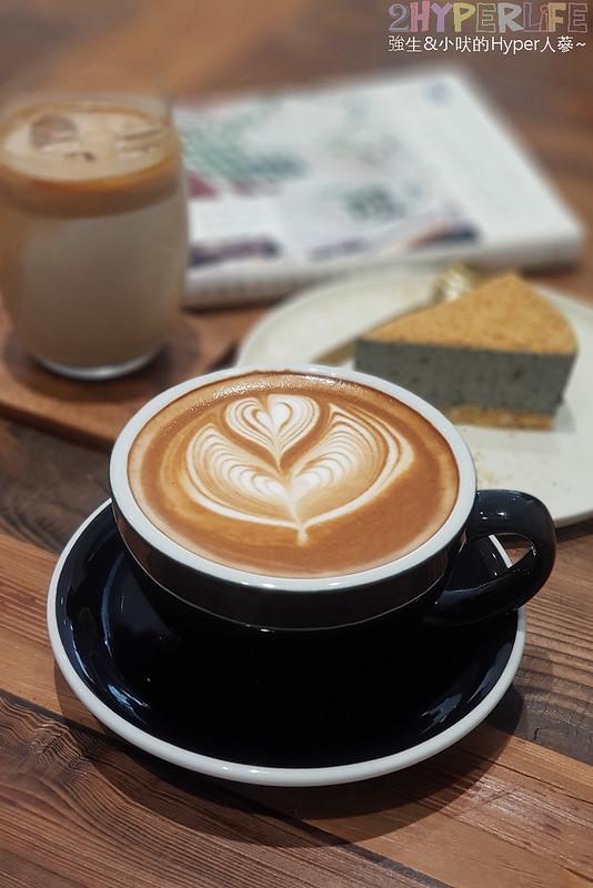 40887195393 9a9cb92dee c - J.W.xMr.Pica│近期人氣超高的質感咖啡店,同時有好喝咖啡和生活選物!近審計新村呦~(已歇業)
