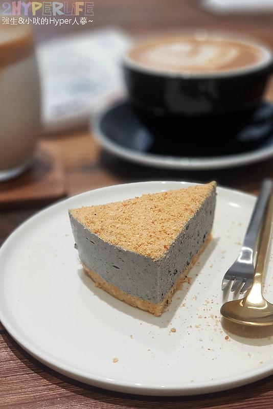 40887195683 df33b519c8 c - J.W.xMr.Pica│近期人氣超高的質感咖啡店,同時有好喝咖啡和生活選物!近審計新村呦~(已歇業)