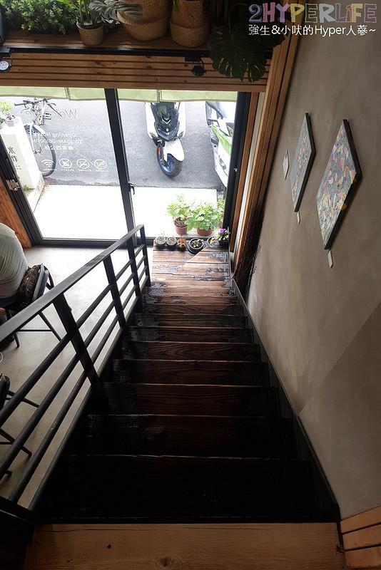 40894457123 48dd8dfd04 c - 潭子車站正後方的茶飲老屋,氛圍超放鬆~外型圓滾滾的丸燒鬆餅可愛也好吃!