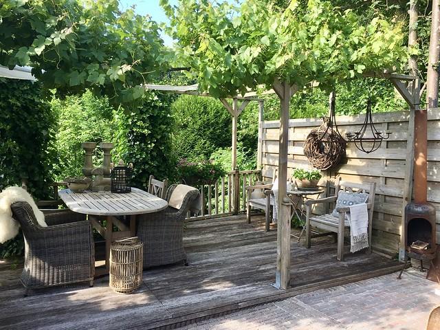Houten vlonder landelijke tuin