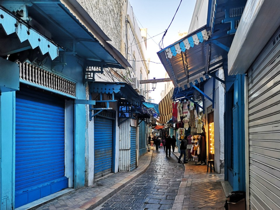 calle del zoco o Souk de la Medina de Tunez 01