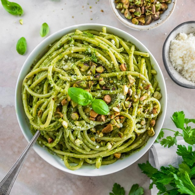 bucatini pistachio pesto