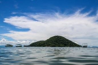 We waren toen aan vakantie, dus streken we neer in een hotel in Cape Maclear met uitzicht op het Thumbi Island.