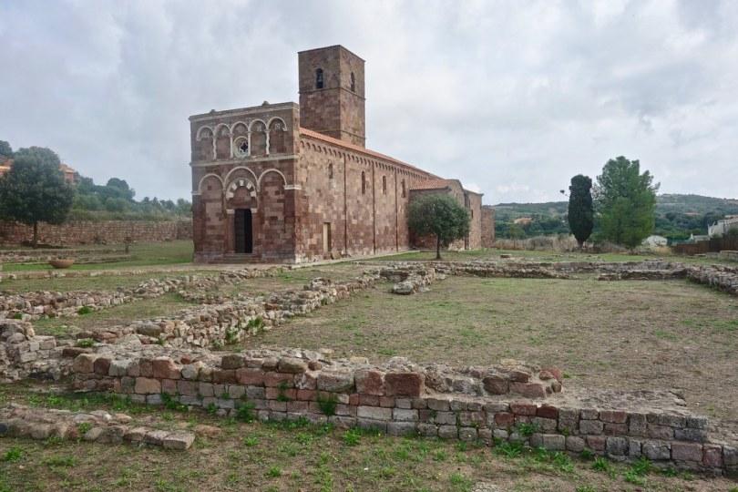 Cosa vedere a Castelsardo - Basilica di Nostra Signora di Tergu