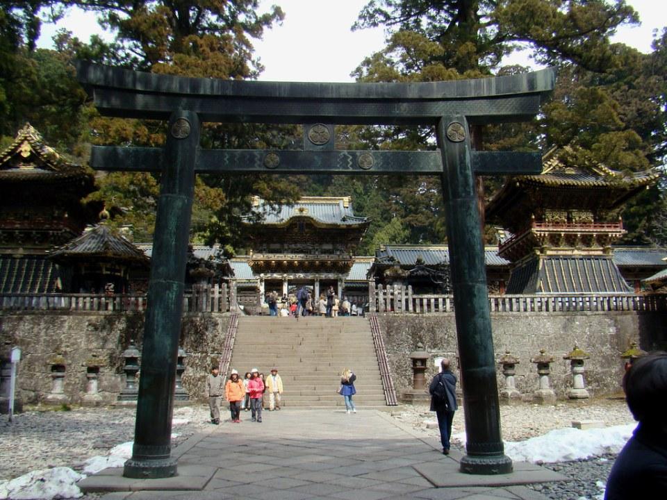 Torii Santuario Toshogu Nikko Japón 11