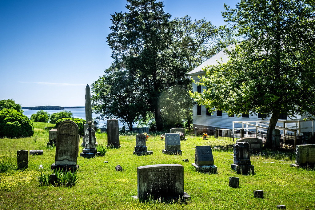 Monticello Methodist Church and Cemetery
