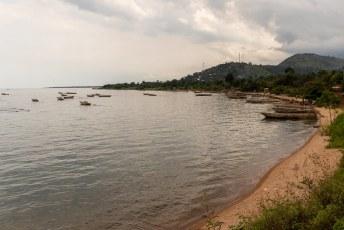 We passeerden talloze vissersdorpjes op weg naar Bujumbura.