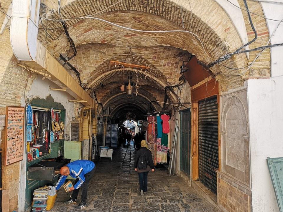 calle del zoco o Souk de la Medina de Tunez 04