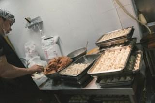 Pan fried buns at Xiao Yang Sheng Jian Bao(小楊生煎包), Shanghai
