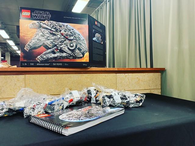 LEGO UCS Millennium Falcon Build