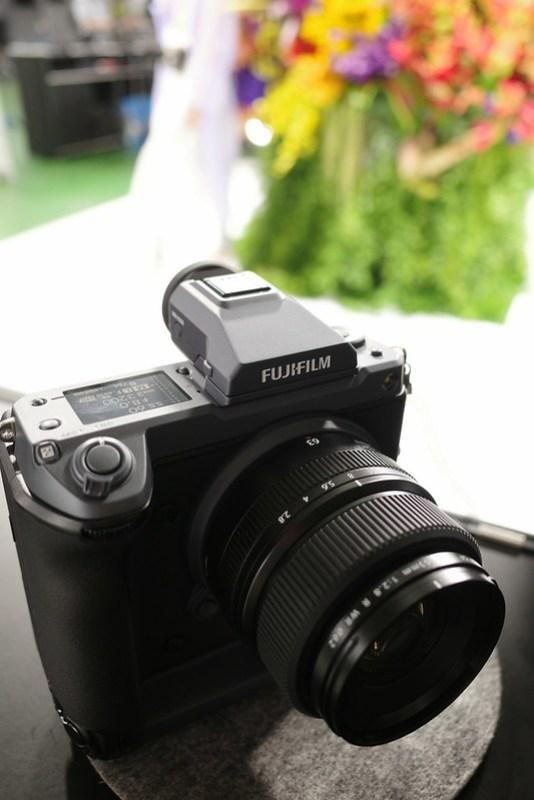 FUJIFILM GFX100 01