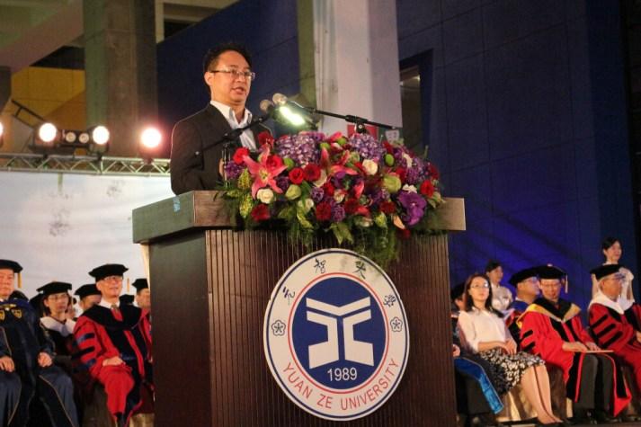 20190601元智化材系畢業校友及榮獲本校第三屆傑出校友獎的梁晃千先生擔任演講貴賓