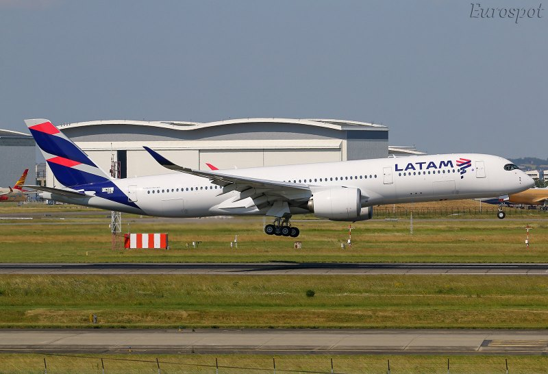 F-WZGS Airbus A350 LATAM