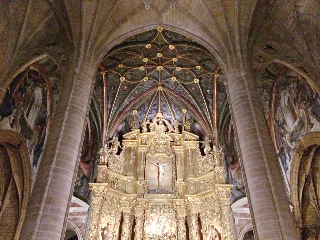 boveda altar mayor interior Concatedral de Santa Maria de la Redonda Logroño La Rioja 01