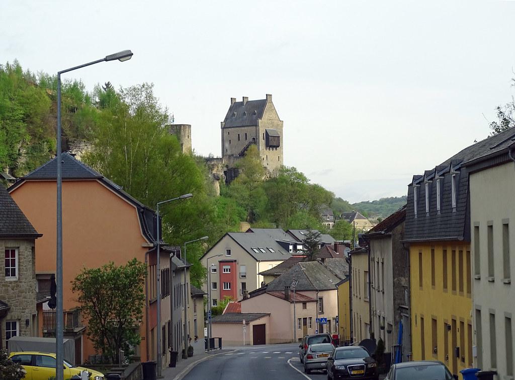 casas y castillo de Larochette Luxemburgo 01