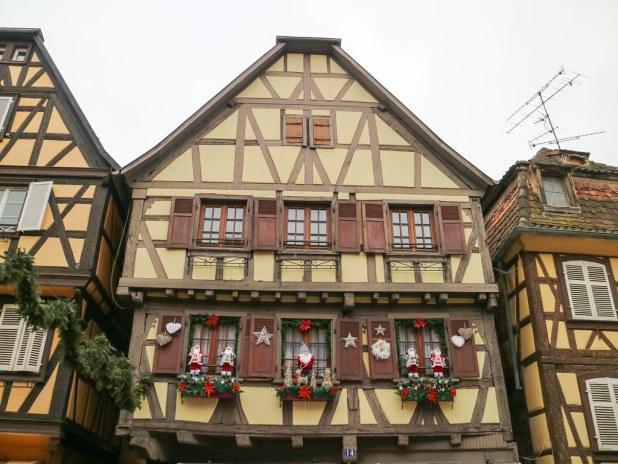 Fachadas de las casas en Alsacia