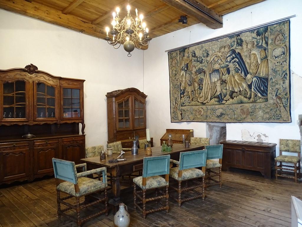 Sala de banquetes comedor interior Castillo de Vianden Luxemburgo 01