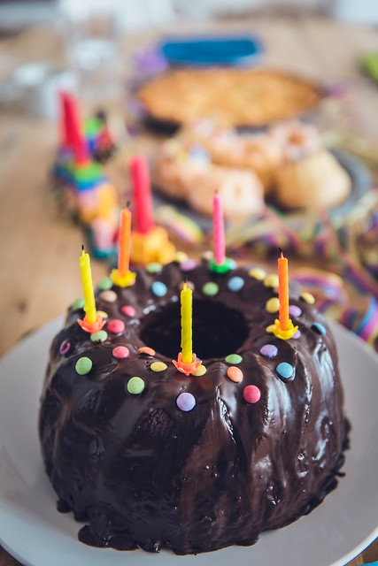 baked-birthday-birthday-cake-369267