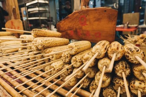 Corn shop at Dong Da Men Night Market (東大門夜市), Hualian, Taiwan