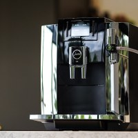 【全自動義式咖啡機推薦】全新 JURAE8霸氣進化!領先業界的4大功能與源自瑞士工藝的精雕細琢。台灣總代理 瑞技企業|優瑞咖啡