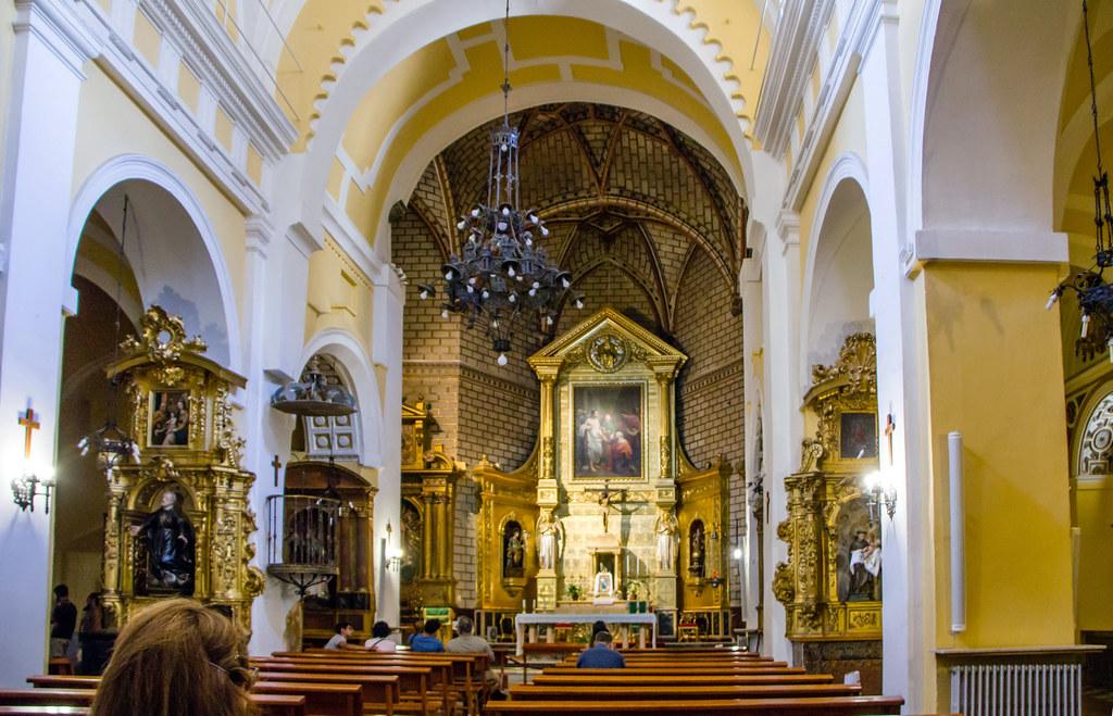 altar mayor y nave central interior Iglesia de Santo Tome Toledo