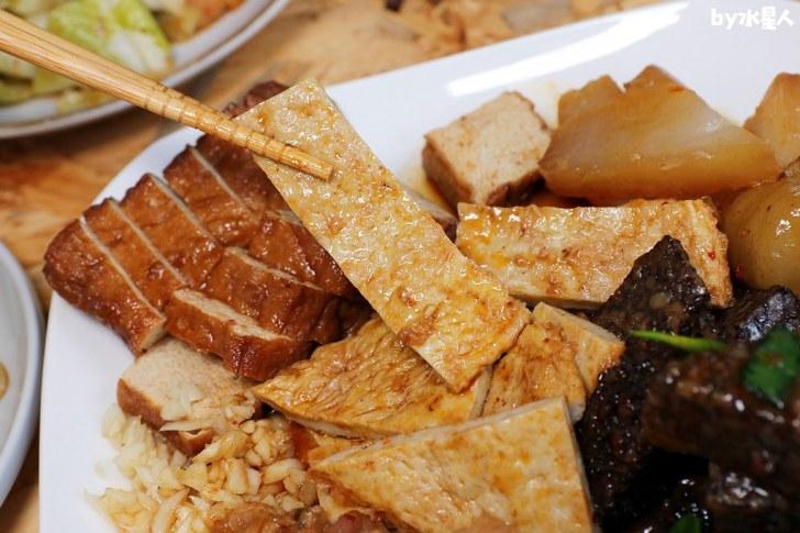 48295698066 ba6e23c4a6 b - 熱血採訪 秘醬滷味,台中超好吃冷滷味,現點現切銅板價小吃