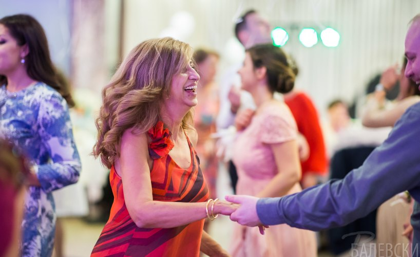 Сватбата на Лили и Венци