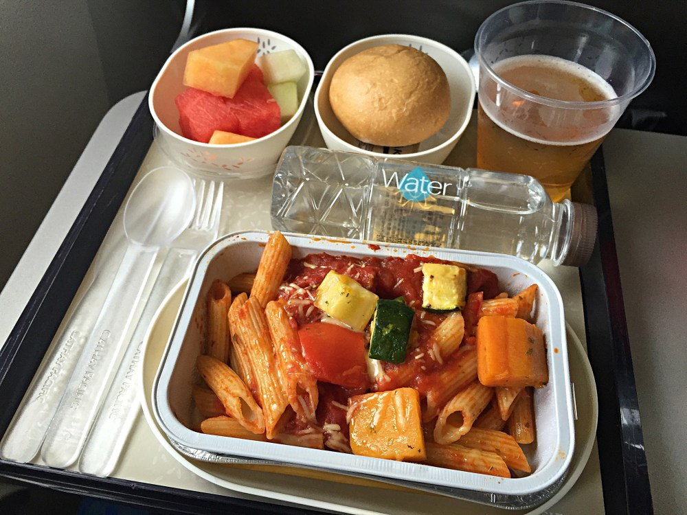 910-november-2015-flight-meal-on-cathay-pacific_27243547222_o