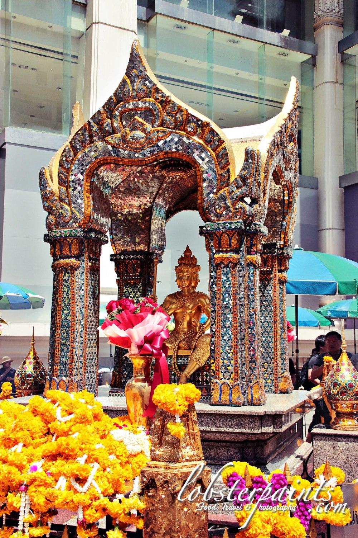 2thao-maha-brahma-erawan-shrine--bangkok-thailand_26379032682_o