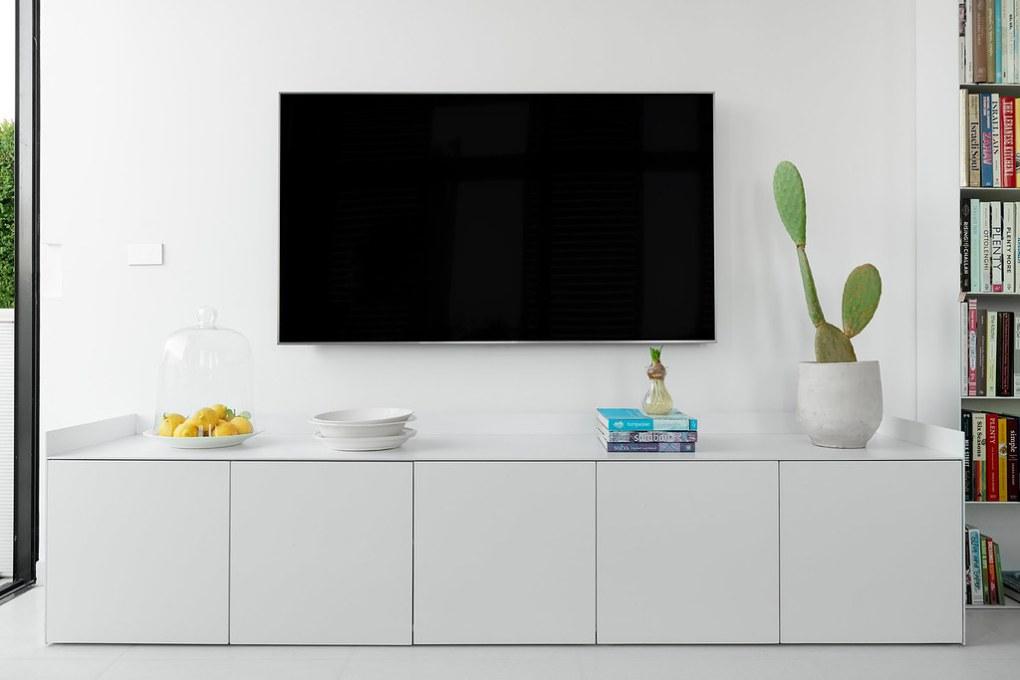 מזנון טלויזיה מברזל לדירה קטנה