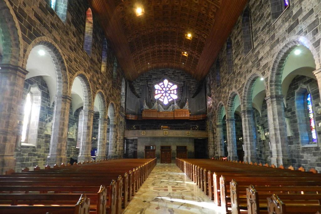 organo nave central interior Catedral de Nuestra Señora de la Asuncion y San Nicolas Galway Republica de Irlanda 01