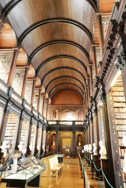 Gran Sala Biblioteca de Trinity College Dublin Republica de Irlanda 04