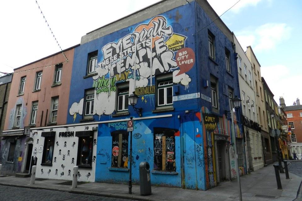 Pintura mural en la calle Graffitis Dublin Republica de Irlanda 07