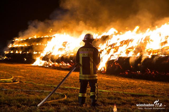 Brennende Strohballen Wallau 29.07.19